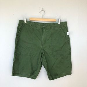 Old Navy Green At The Knee Summer Shorts Size 33